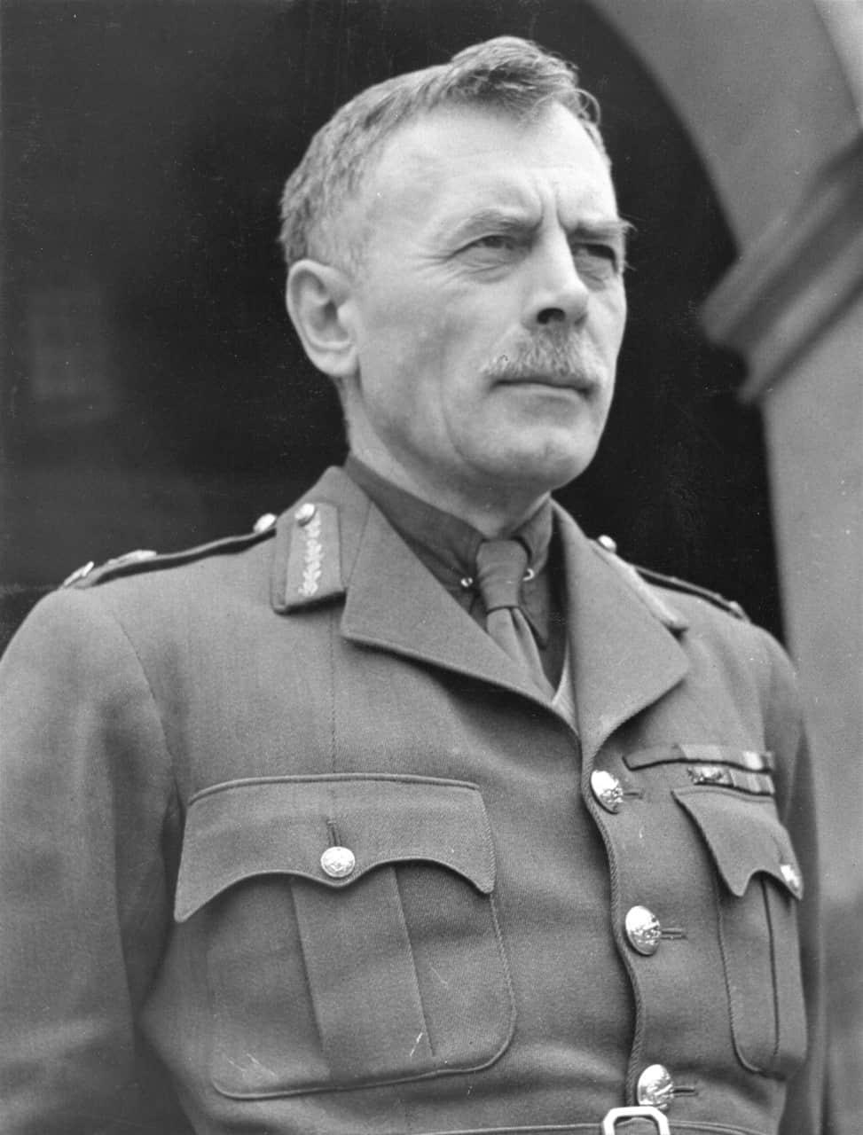 Gen-AGL-McNaughton-PC-CH-CB-CMG-DSO-CD-1887-–-1966-2