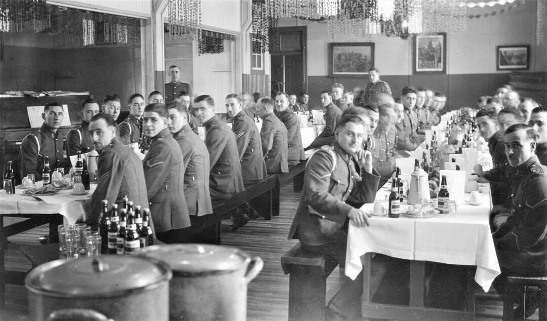 1938-Xmas-Dinner