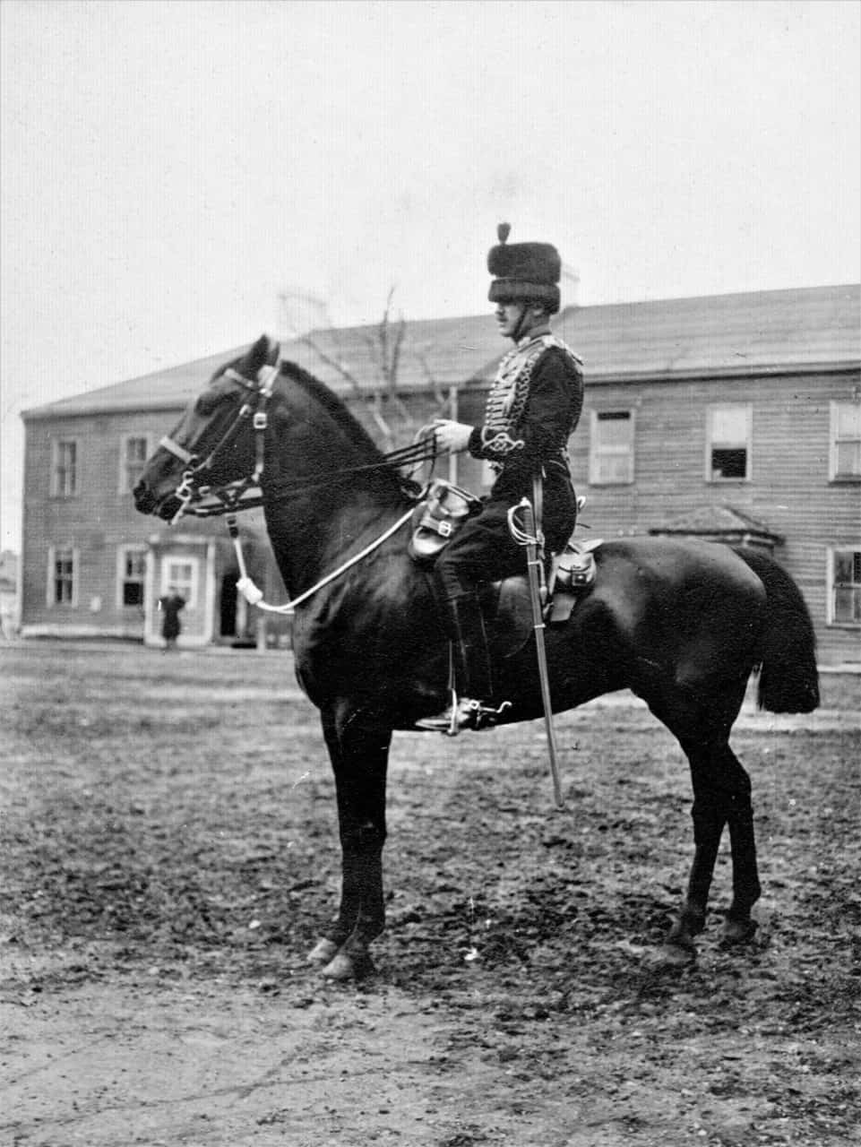 1.-1913-A-Battery-Mounted-Officer
