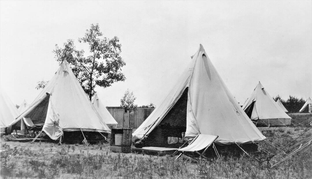 3.-1914-August-Valcartier-Camp-3