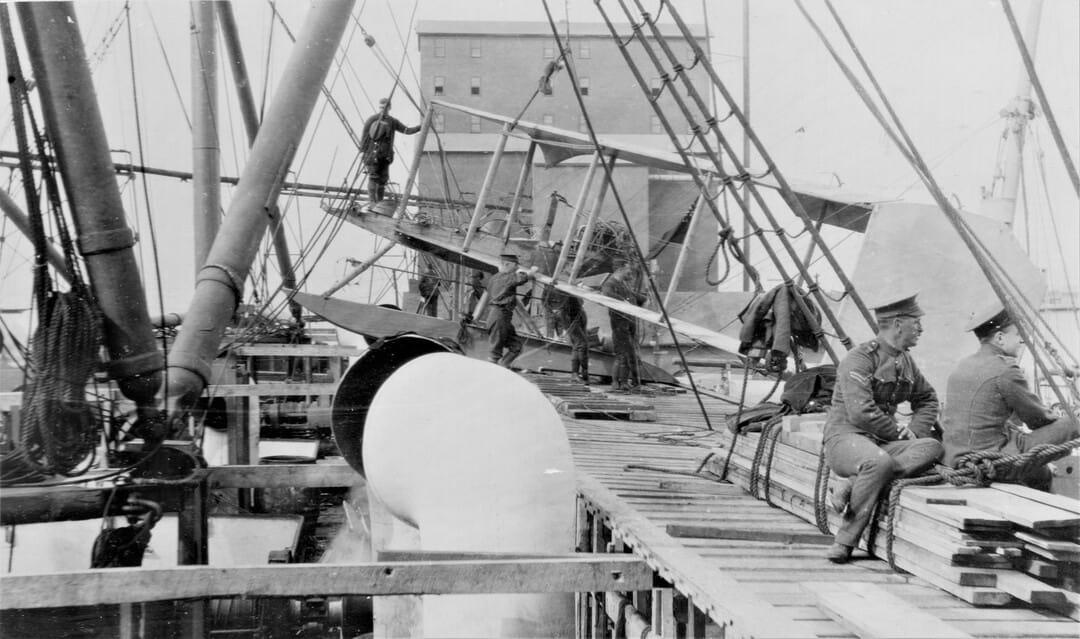 4.-1914-26-Sept-Seaplane-being-taken-on-board-at-Quebec