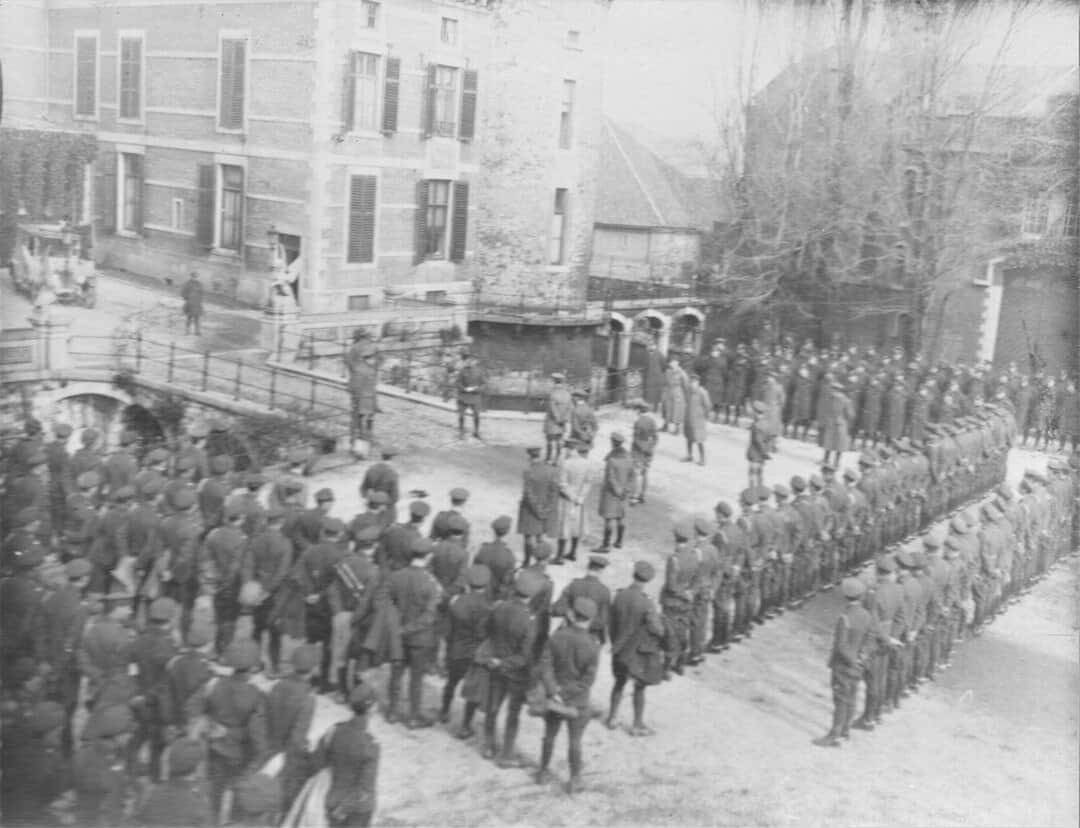 7.-1919-March-General-Harman-saying-goodbye-to-RCHA-at-the-chateau-of-the-baron-depotesta