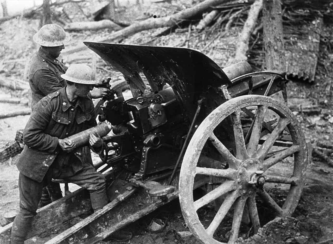 1917-Canadian-Field-Artillery-using-Captured-German-47-Inch-Howitzer-Vimy-Ridge