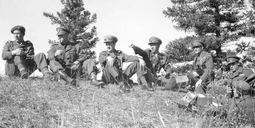 1952-Sept-2nd-Regiment-Officers