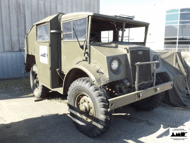 Ford-Artillery-Tractor-Cab-13